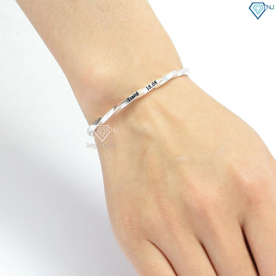 Lắc tay bạc nữ dạng kiềng xoắn khắc tên LTN0225