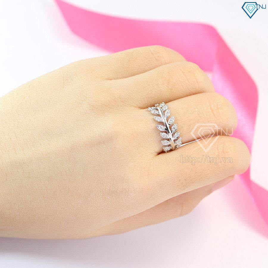Nhẫn bạc nữ hình chiếc lá Nguyệt Quế đính đá đẹp NN0199