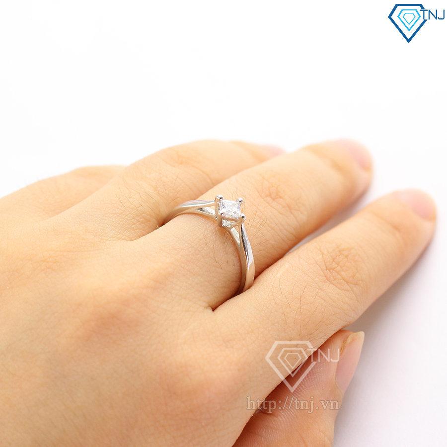 Nhẫn bạc nữ mặt đá vuông sang trọng NN0203