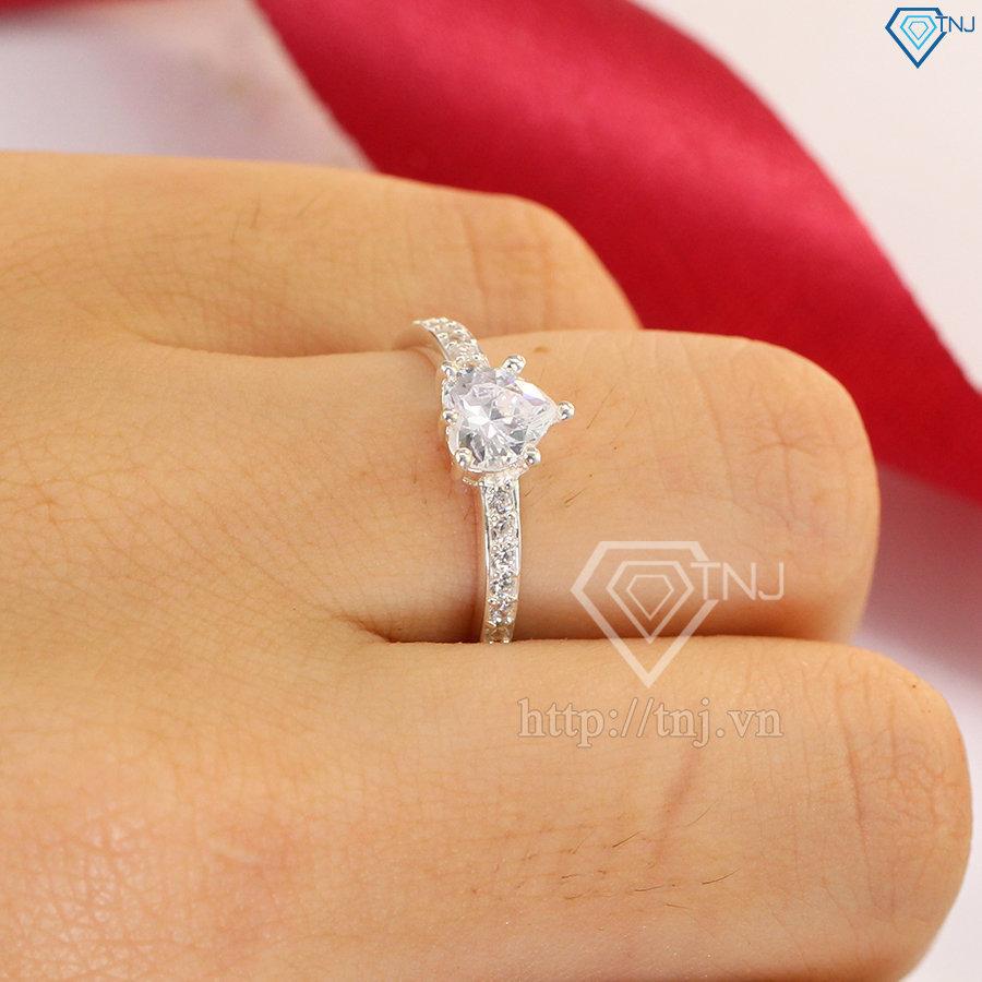 nhẫn nữ bạc đính đá trái tim NN0219