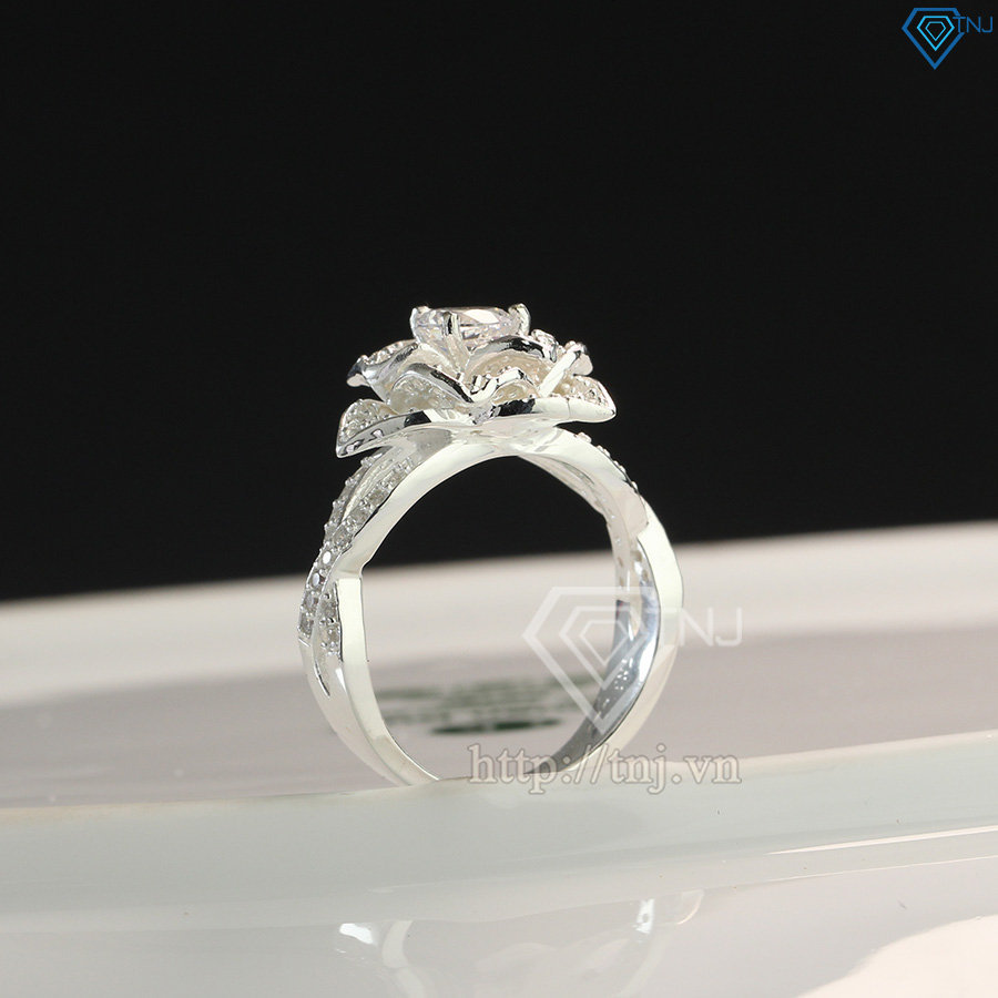 Nhẫn bạc nữ hình bông hoa đính đá đẹp NN0261