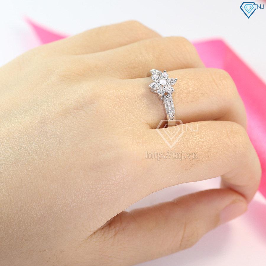 Nhẫn bạc nữ hình bông hoa đính đá đẹp NN0230
