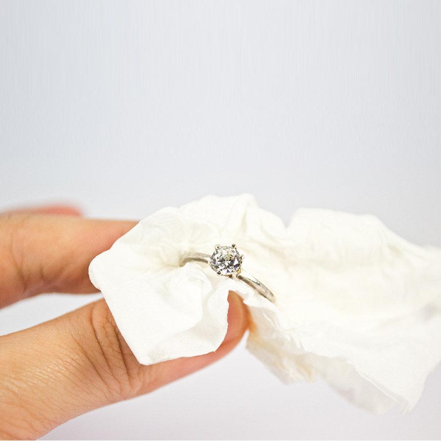 cách vệ sinh trang sức bạc